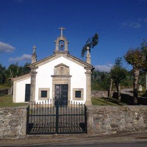 Capela e Alminhas de São Roque